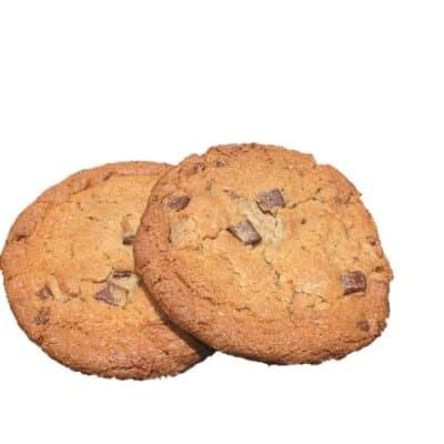 Große helle Cookies mit Schokostücken