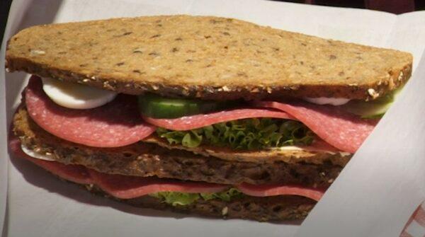 Belegtes Vitalschrot Brot, die Power-Stulle